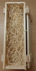 Holzkiste mit Schiebedeckel und Leisten